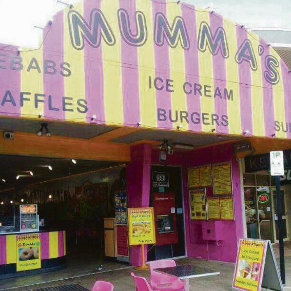 Mandurah: employee stops would-be theif from taking charity box at Mumma's Eats n Sweets
