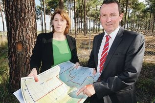 Rita Saffioti and Mark McGowan discuss the proposed route.