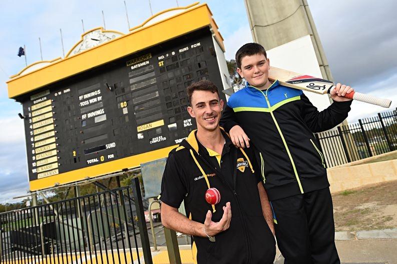 Western Warriors fast bowler Matt Dixon with fellow type 1 diabetes sufferer Lachlan Boneham (12, Mandurah) [NAMES OK]