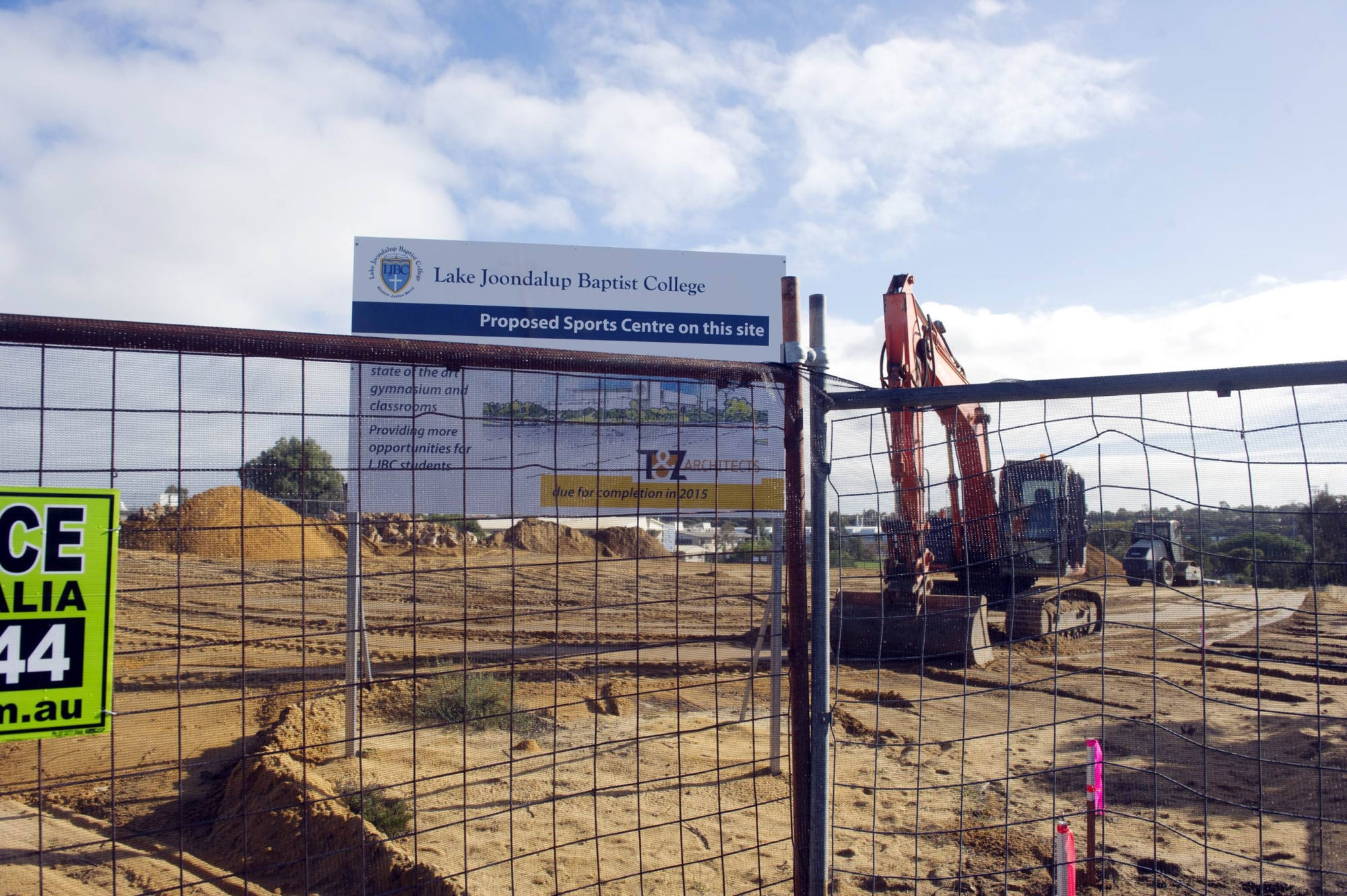 Work has begun on a new gym and classrooms at Lake Joondalup Baptist College.d420677