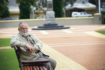 Douglas Valeriani recommended that the pathway leading to the Wanneroo War Memorial be named the