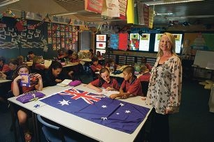 Teacher Zoe Williamson wants migrants to volunteer to speak to her Year 6 class. Picture: Emma Reeves d419113