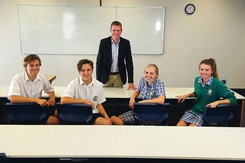Year 11 students Bailey Shem, Johannes Espach, Brooke Henley, Eleanor Shepherd with Christian Porter.