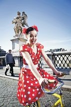 Comedienne Jessica Arpin is performing at the Fremantle Street Arts Festival.