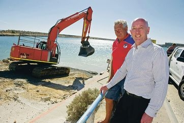 Cafe owner Stephen Lindau and Wanneroo MLA Paul Miles at the Two Rocks boat ramp.
