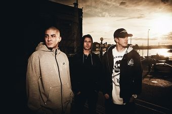 Bliss N Eso hit Wellington Square on Saturday, May 3 for the Circus Under the Stars outdoor show.