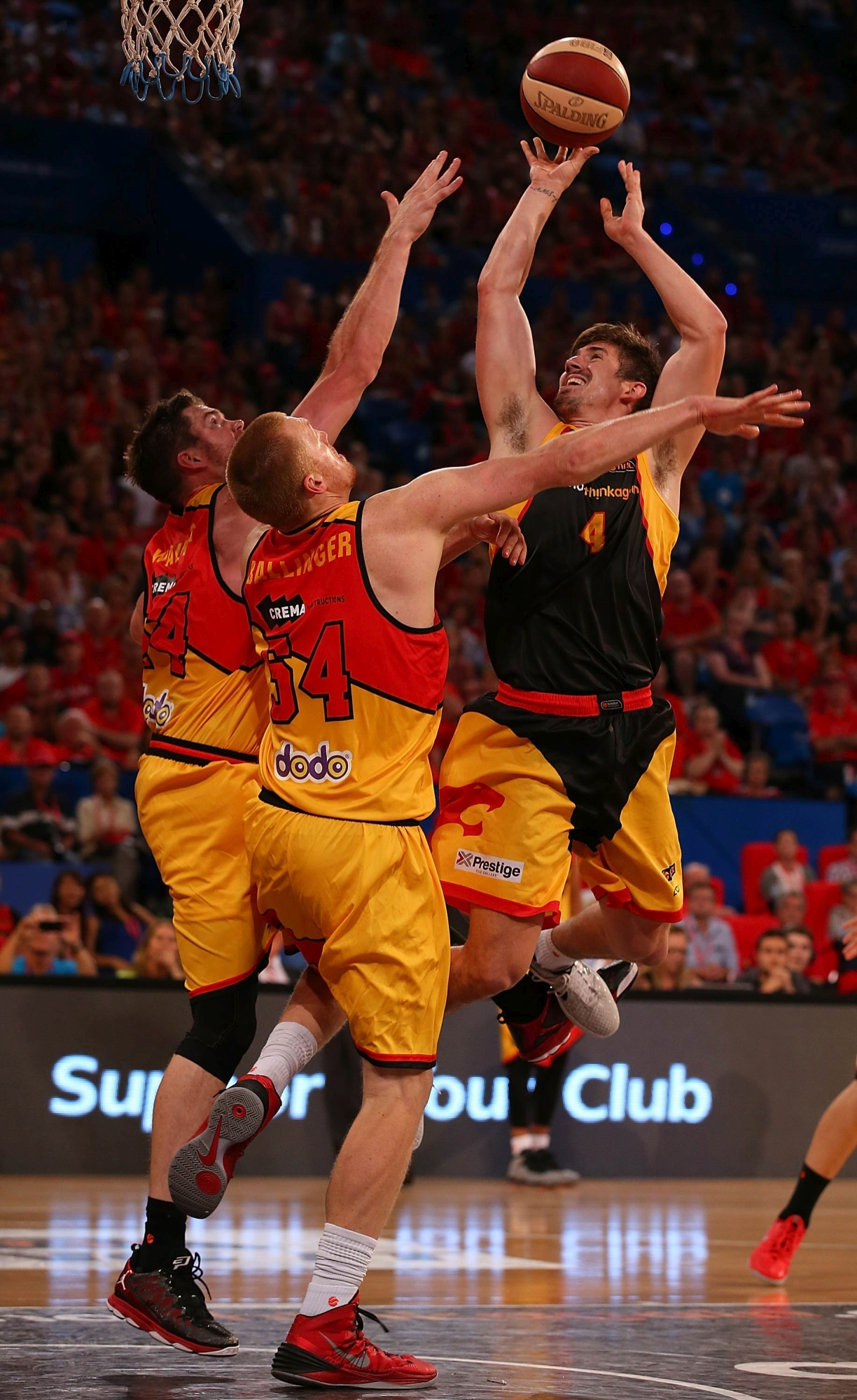 Greg Hire in action against the Melbourne Tigers.