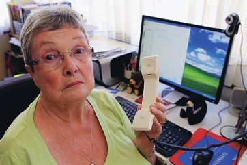 Shelia Ainge (77) was left without a phone line or internet for almost a month. Picture: Marcelo Palacios d415397