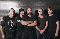 Rockers' salute to Bon