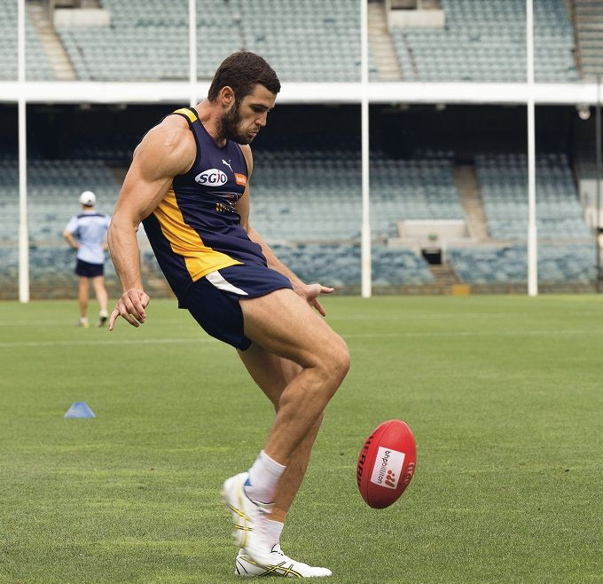 Footy stars fly back to the nest