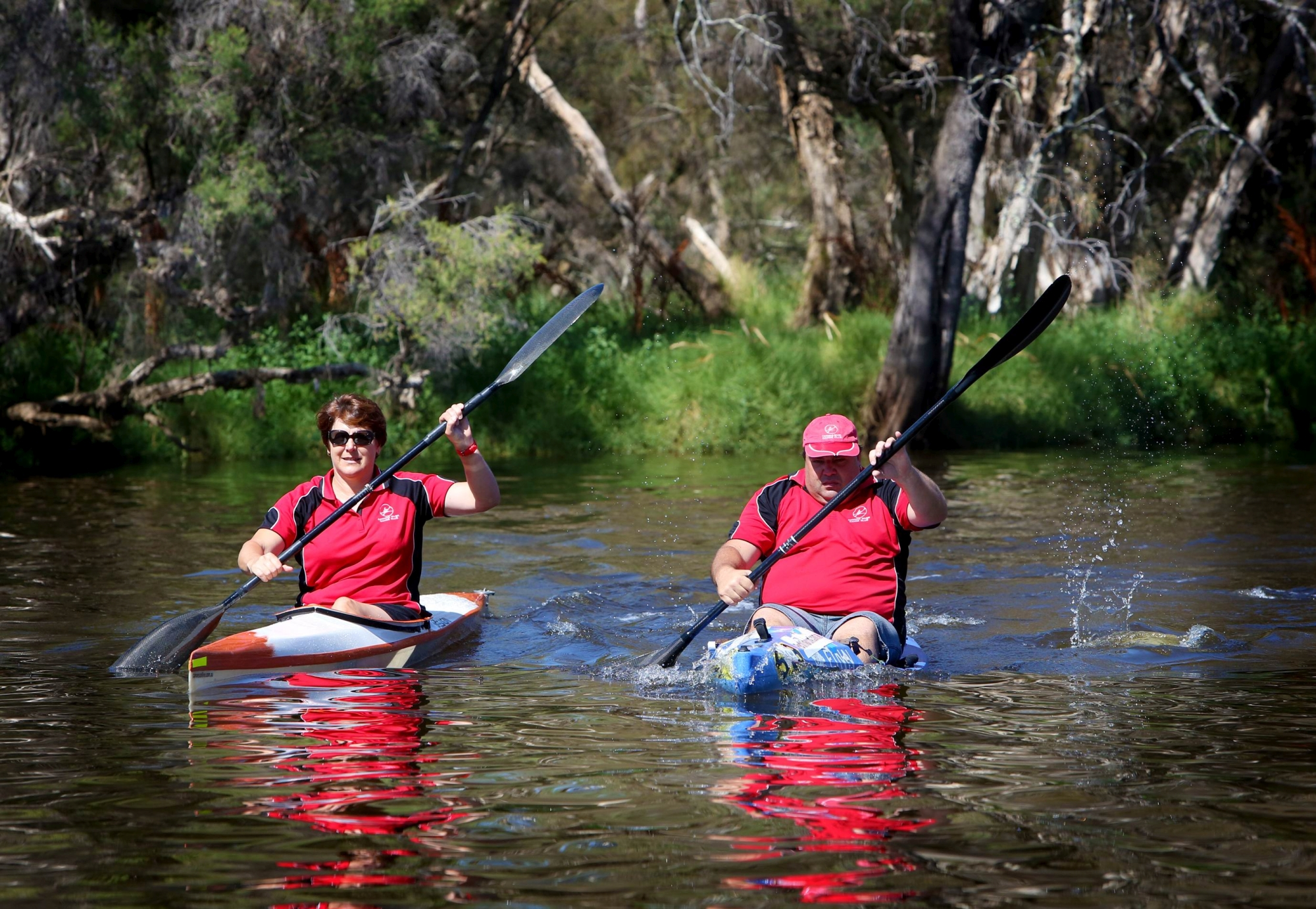 Simone Burge and Jamie Ingram paddle on the Canning River. Picture: Matt Jelonek d414881