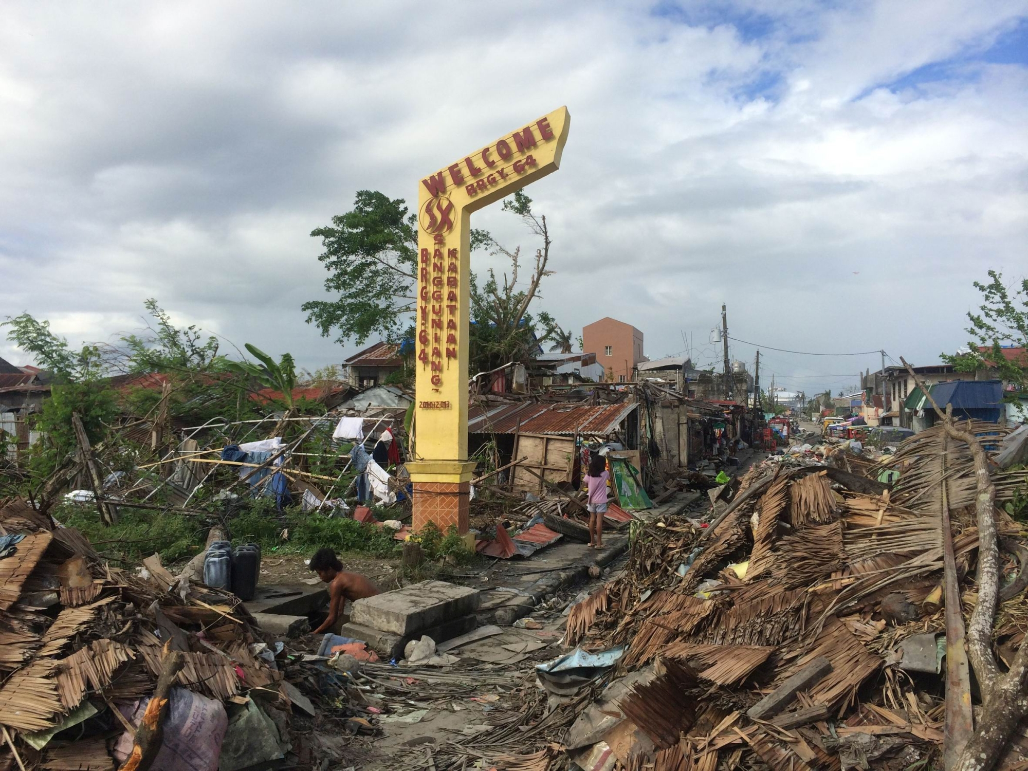 Bruce Wicksteed and the medical team found the situation in the Philippines very confronting after the typhoon struck.