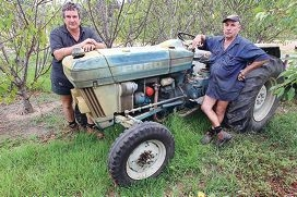 Fruit growers John Gregorovich and Wally Gava say they can no longer make a living off the land. d399283