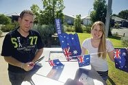 Murray and Louise Norman are organising a fundraising Australia Day barbecue for Kidney Health Australia d413772