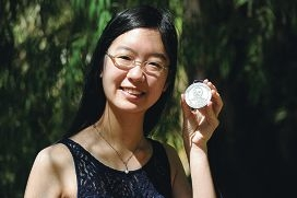 Top student Katerina Chua shows off the Beazley Medal.