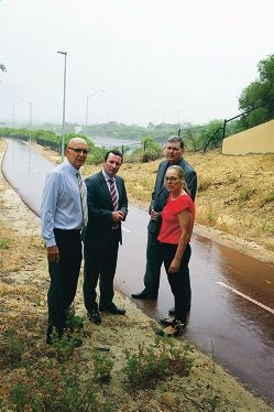 From Left: MLA John Quigley, Opposition Leader Mark McGowan, Ken Travers (Opposition transport spokesman) and Janine Freeman discuss freeway delays. Picture: Emma Reeves d412133