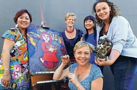 Artists Beba Hall of Kensington, Louise Carre of Coolbellup, Tineke Van der Eecken of Beaconsfield, Jina Lee of Innaloo and Julie Jackman of Bayswater. Picture: Elle Borgward www.communitypix.com.au d411856