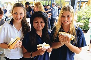 Belmont City College students Bethany Hurst, Patricia Ocampo and Tegan Chorley. Picture: Elle Borgward d411687