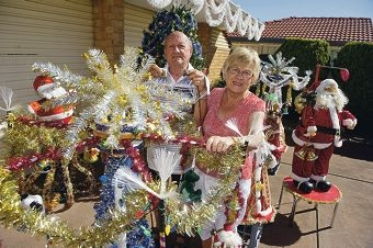 Gyula and Isabella Novak prepare their Christmas lights again this year. Picture: Emma Reeves www.communitypix.com.au d411966