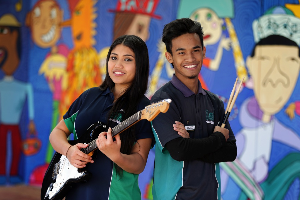 Raudhah Soffian and Habir Jumani's rendition of a motivational song has been uplifting and encouraging students at Clarkson Community High School. Picture: Martin Kennealey        www.communitypix.com.au   d453909