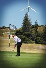Nigel Williams tries out the Rottnest golf course. d411383