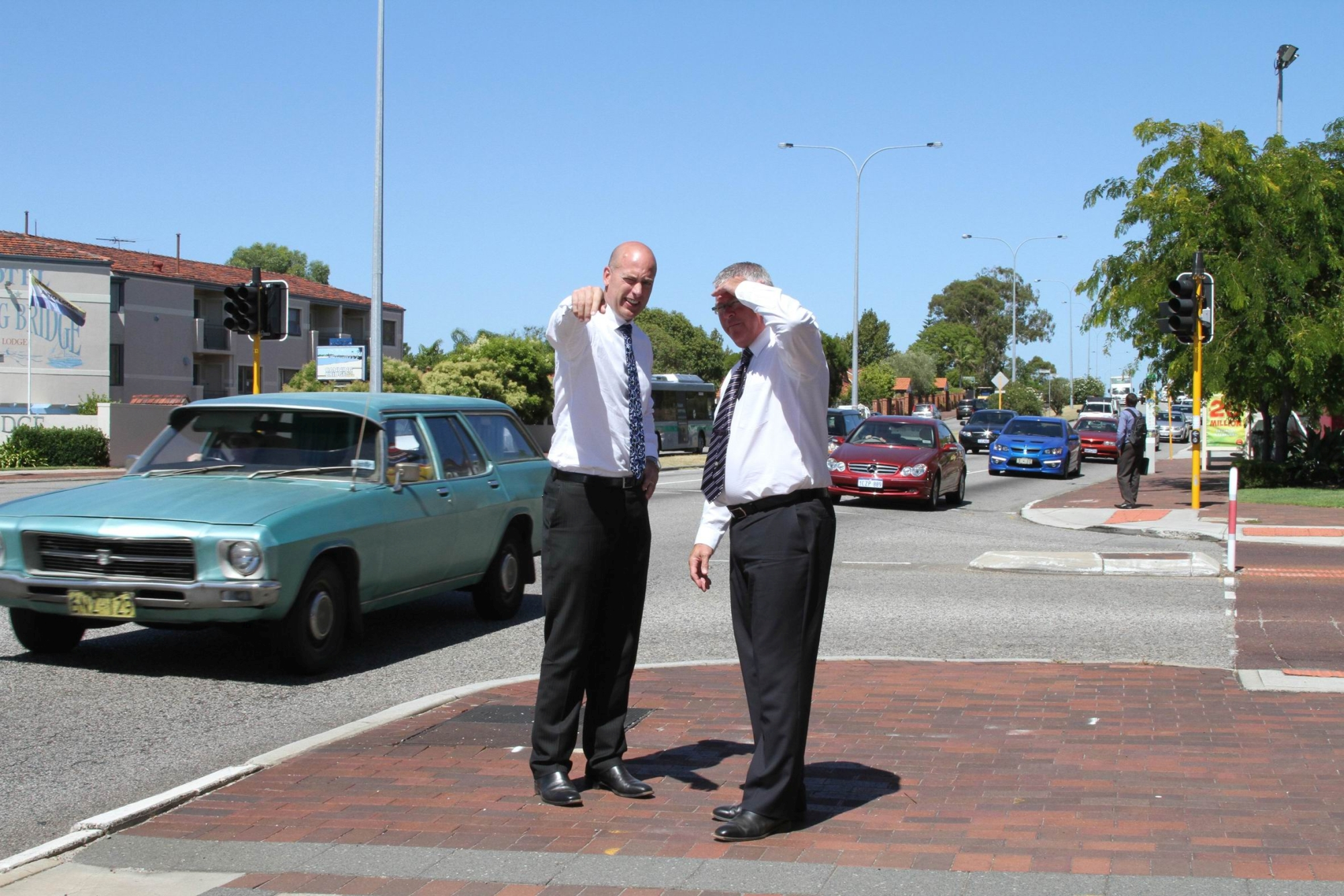 Alfred Cove MLA Dean Nalder with Transport Minister Troy Buswell on Canning Highway.