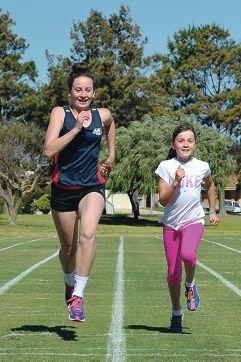 Ashlee and Ellie Glands train together. Picture: Jon Hewson www.communitypix.com.au d408982