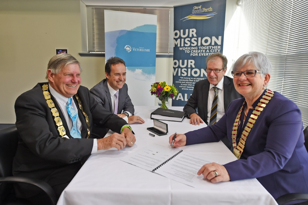 City of South Perth and Town of Victoria Park sign Memorandum of Understanding for closer working ties