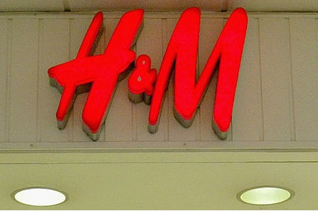 H&M at ECU Joondalup to collect recyclable clothes