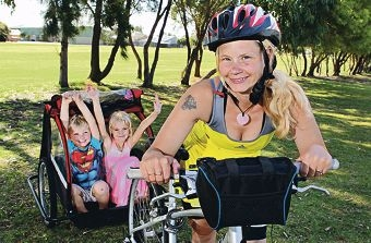 Jack (3), Rose (6) and Laura Firth ahead of the Ride to Conquer Cancer.