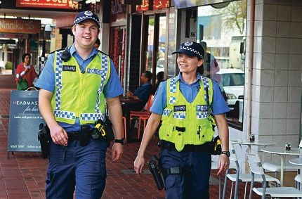 Constable Shane Byers and Constable Lynda O'Hanlon patrolling the strip in Victoria Park. Picture: Elle Borgward www.communitypix.com.au d408128