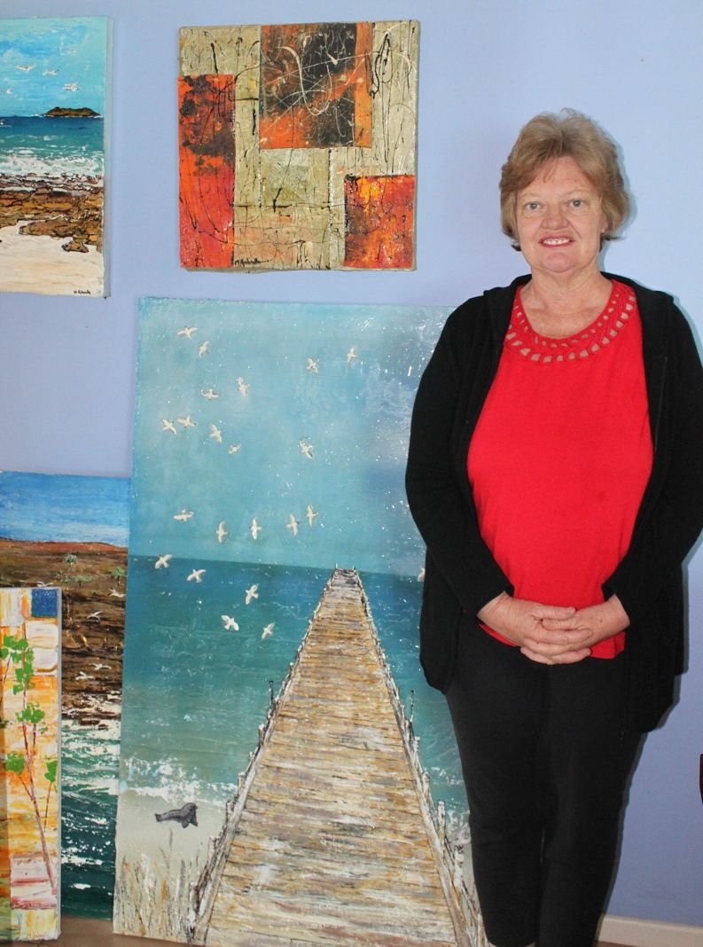 Margaret Harding won three show awards for her art. |She now plans to try her hand at other regional shows.