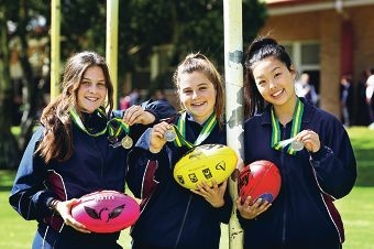 Ashleigh Gomes (15) of Melville, Evie Marchetti (16) of Byford and Rebecca Lu (16) of Willetton. Picture: David Baylis www.communitypix.com.au d406846