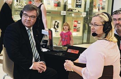 Brand MHR Gary Gray and Liberal candidate Donna Gordin. Picture: Elle Borgward www.communitypix.com.au d406925