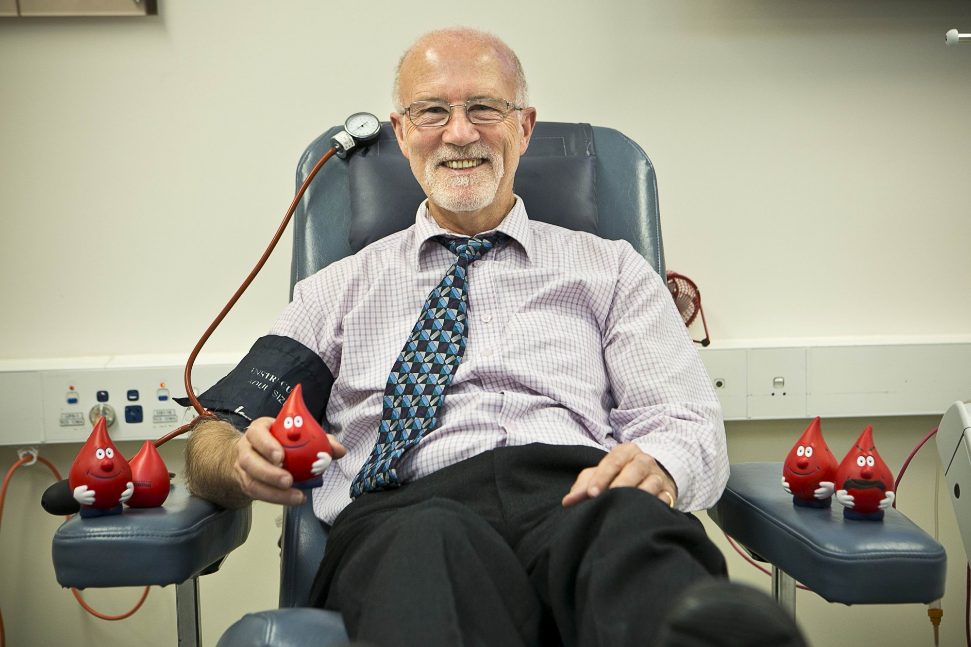Long-time blood donor John Tidey. d406519