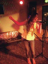 Local singers mimic superstars