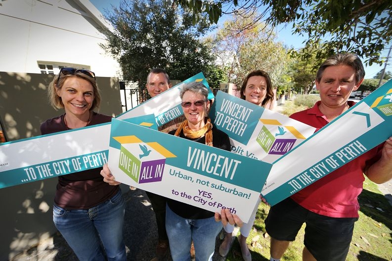 Street co-ordinators Fiona Boy, Greg Rowney, Geraldine Box, Nicola Appleton and Jamie Appleton are spreading the word. Picture: Andrew Ritchie www.communitypix.com.au d406647