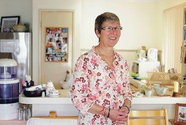 Bernadette van den Acker shares her positive approach to life through seminars. Picture: Martin Kennealey www.communitypix.com.au d405497