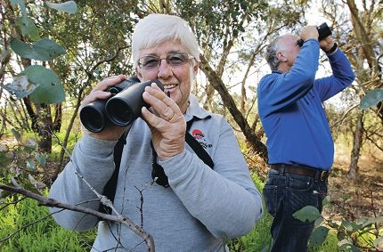 Little Rush Lake Bird Watching leaders Ruth and John Luyer. Picture: Elle Borgward www.communitypix.com.au d405474
