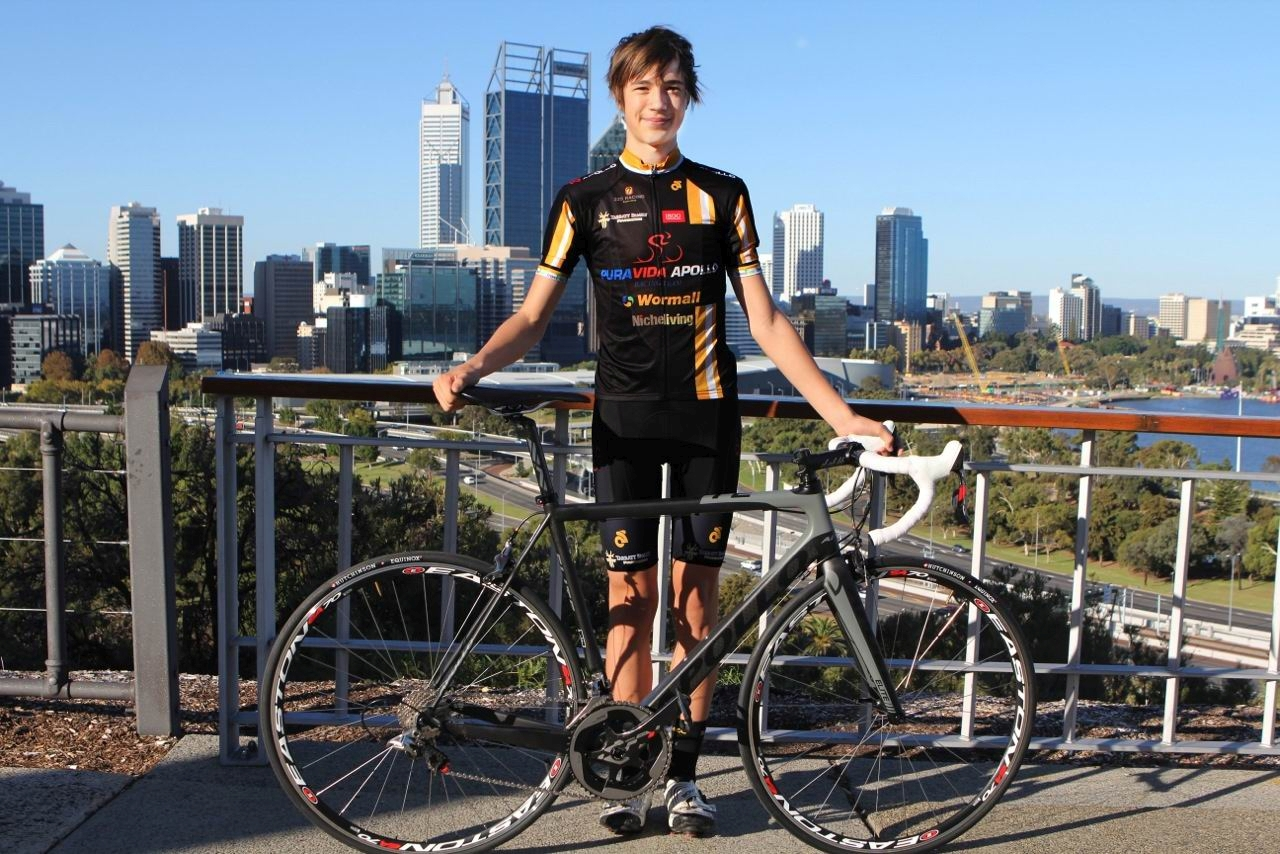 Alex Rendell has been awarded a WAIS cycling scholarship.