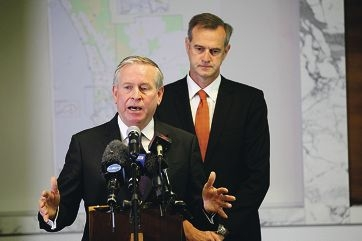 Premier Colin Barnett with Local Government Minister Tony Simpson. Picture: Andrew Ritchie www.communitypix.com.au d404960