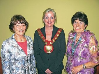 A40 District Inner Wheel outgoing chairwoman Anne Nedkoff with new chairwoman Jan Duffy and Wanneroo Mayor Tracey Roberts (centre).