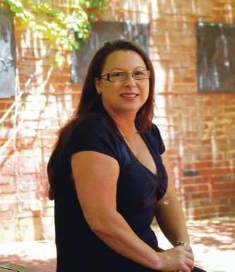Associate Professor Dawn Darlaston-Jones is joining a research project to increase the number of indigenous psychologists.