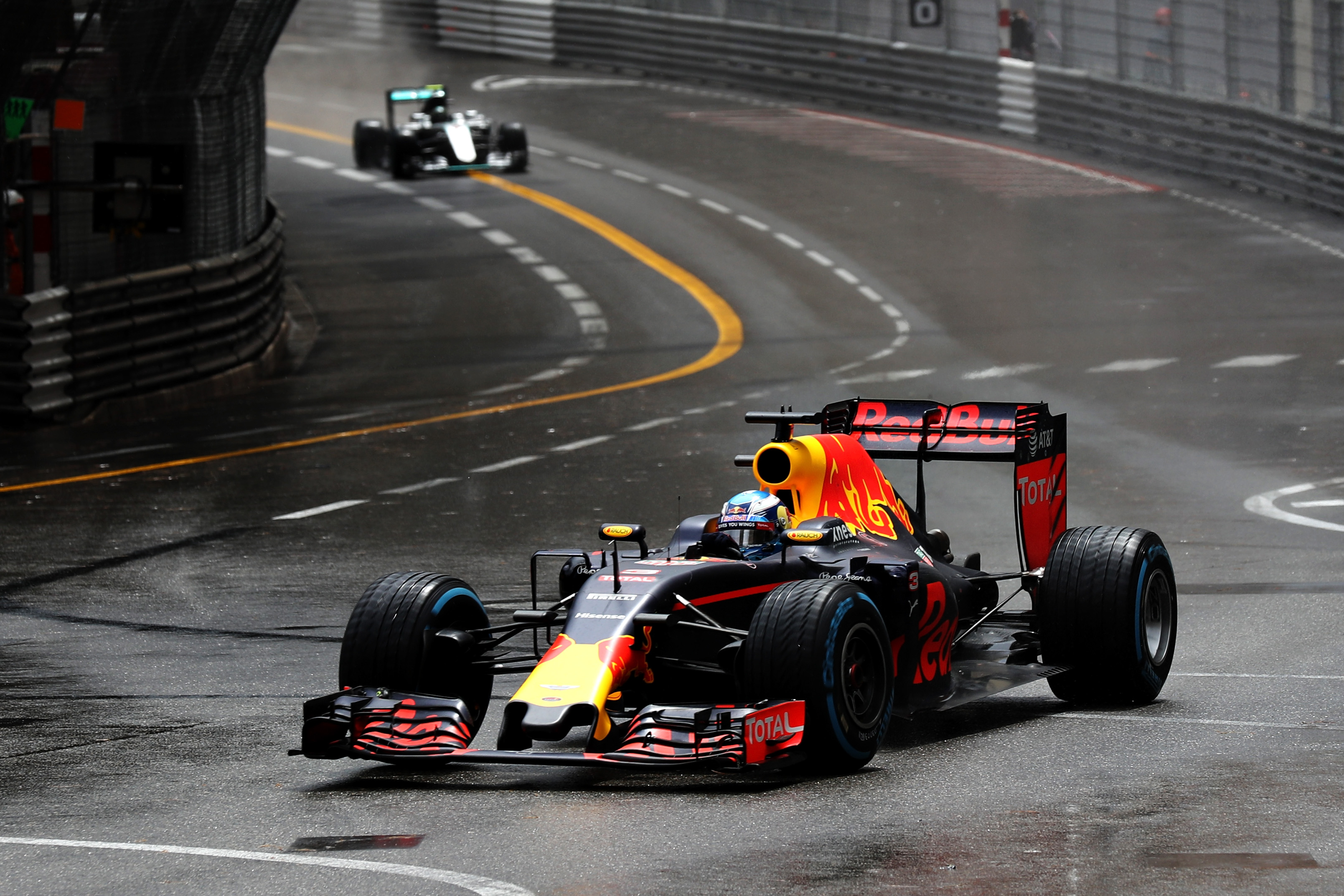 Daniel Ricciardo well in front of Lewis Hamilton in the Monaco Grand Prix. Picture: Mark Thompson/Getty Images