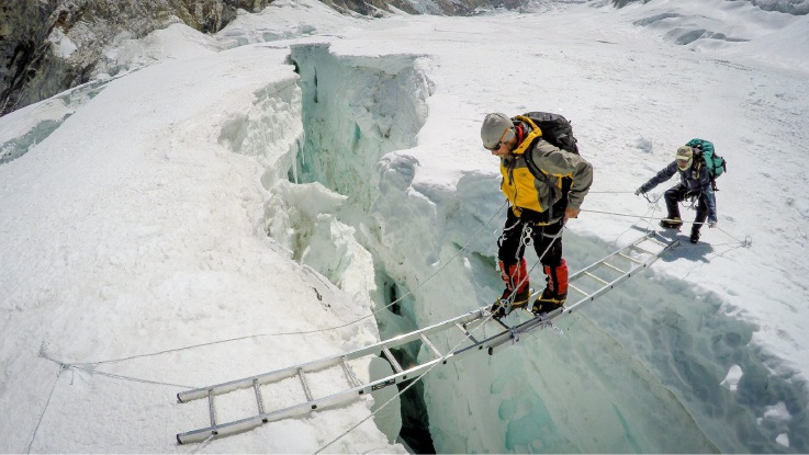 Mullaloo lifesaver climbs Mt Everest to help out his mate
