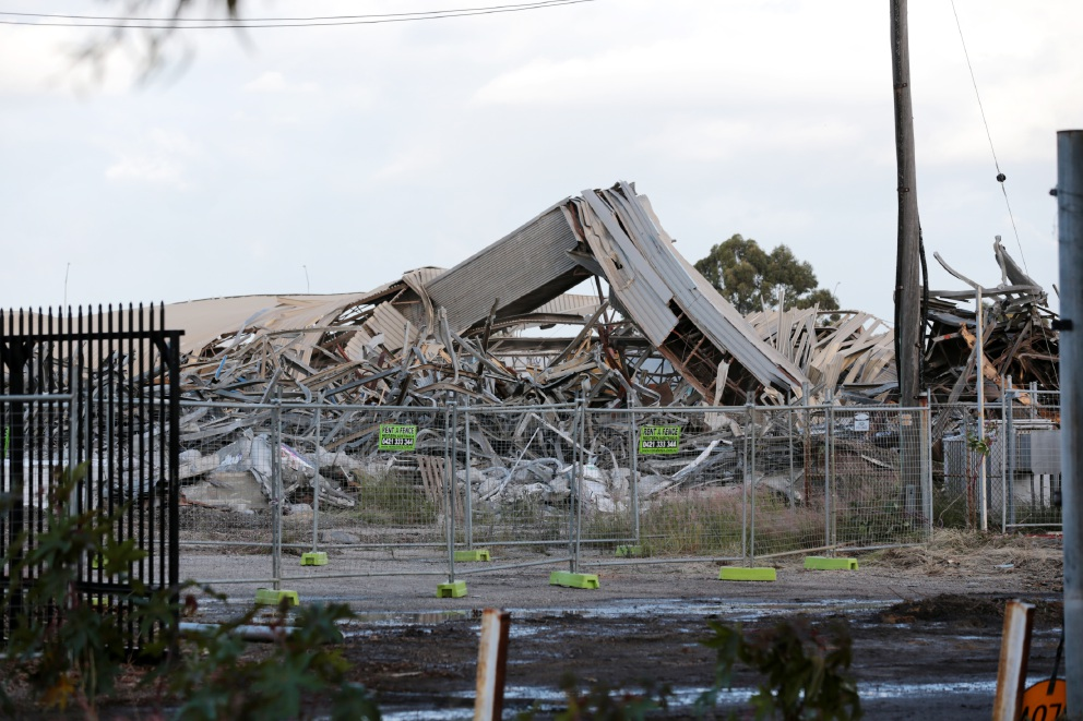 Bellevue: CBH grain silo demolished