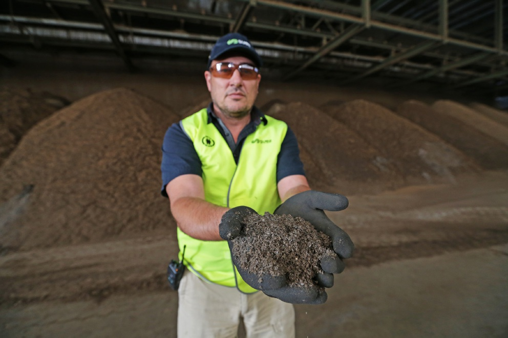 Neerabup resource recovery facility back at work composting waste
