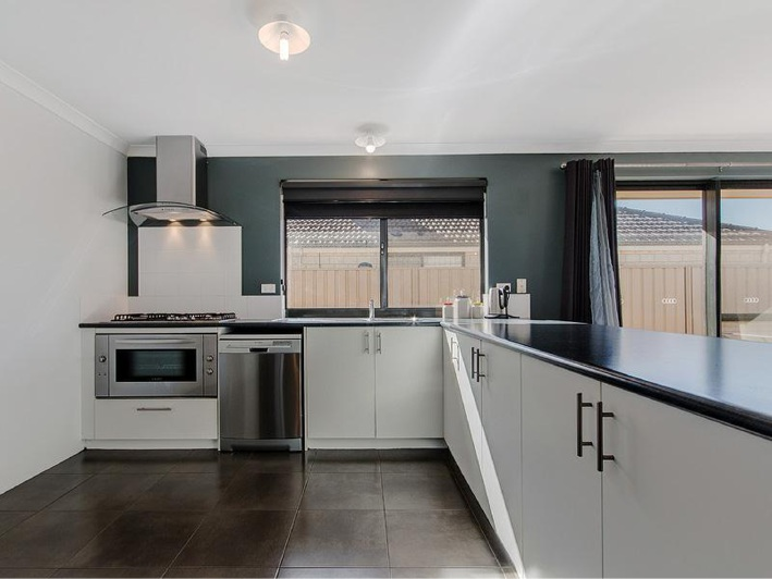 Shoalwater, 18 Vitesse Approach – From $479,000