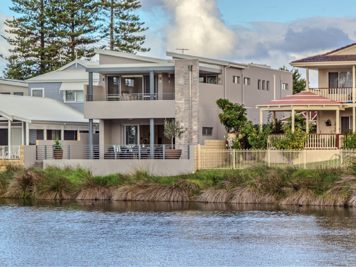 Rockingham, 8A Fletcher Street – Auction