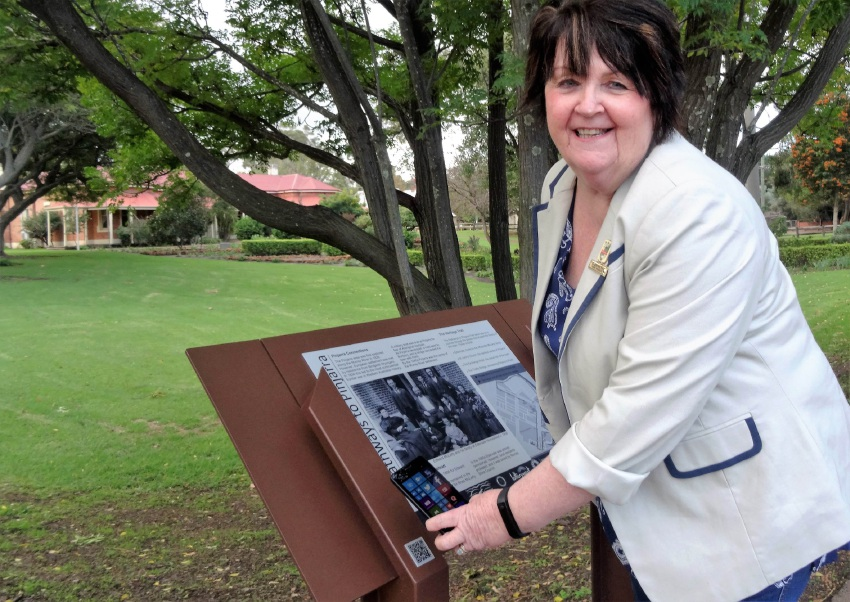 Murray Shire President Maree Reid on the heritage trail.